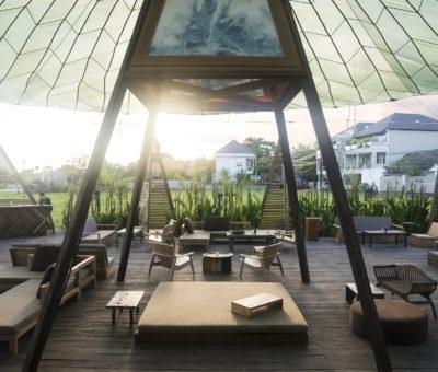 Honest Food & Gathering Place at Parachute Bali