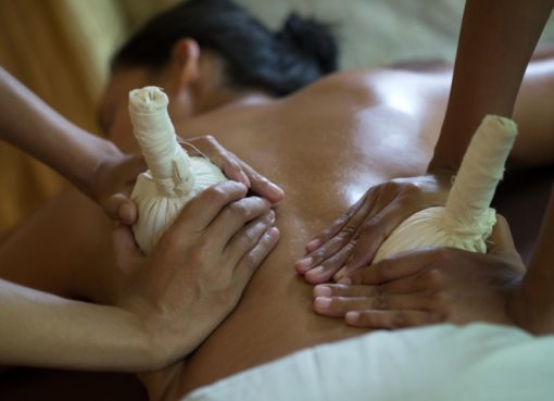 Herbal Compress Massage - dala spa - insight bali