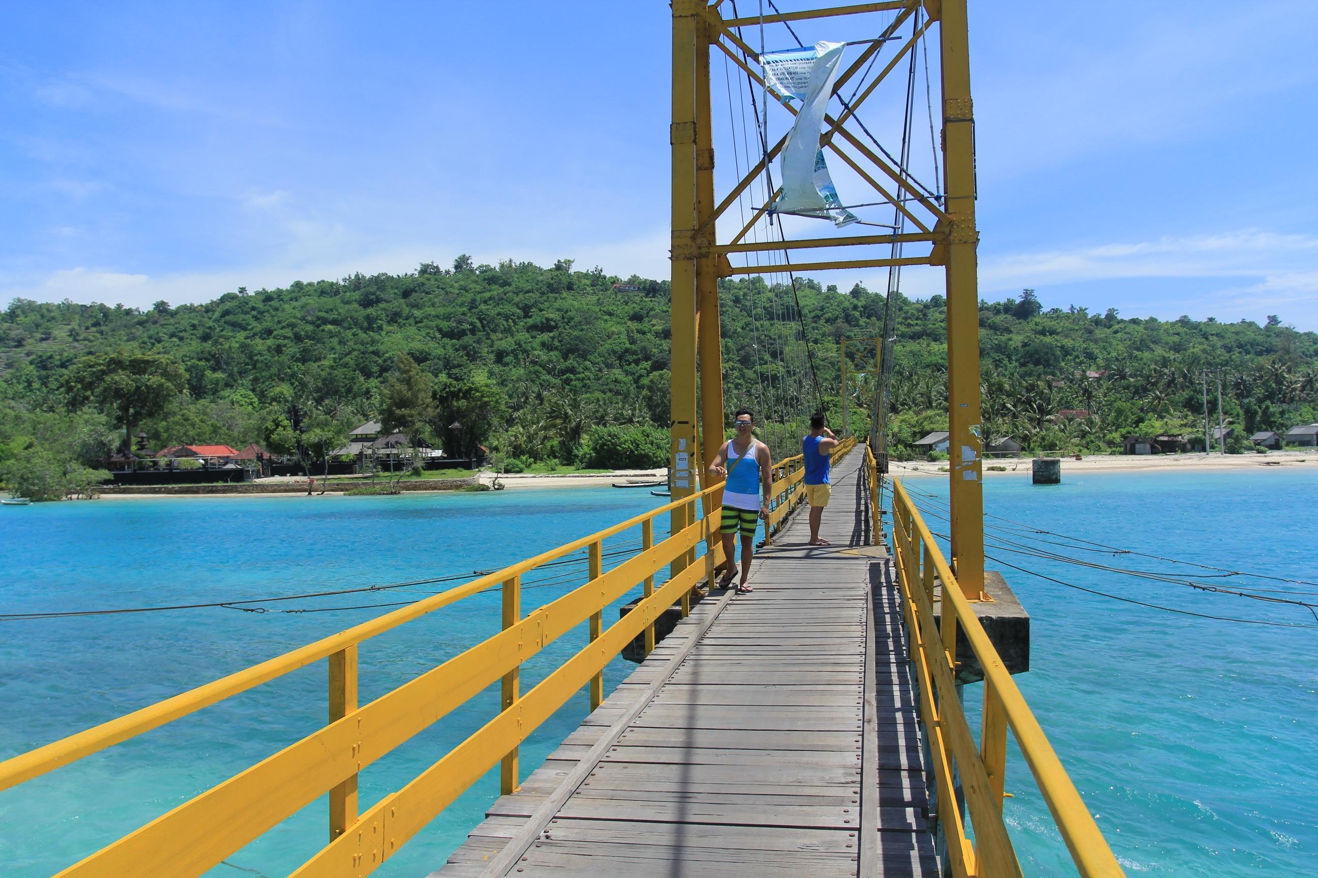 yellow bridge - nusa lembongan - insight bali